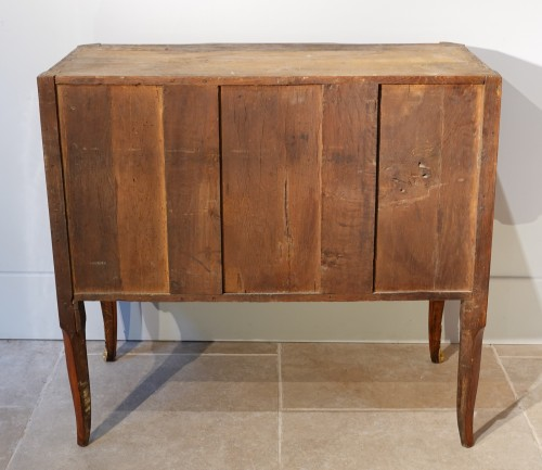 French Transition chest of drawers, stamped Mewesen -