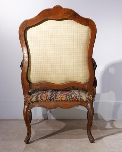 18th century - French Louis XV walnut armchair, Lyon 18th century