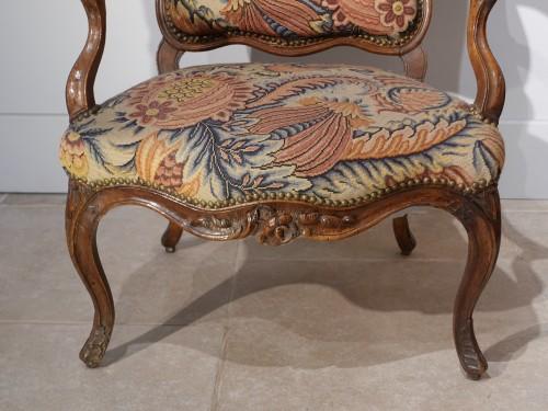 Louis XV - French Louis XV walnut armchair, Lyon 18th century