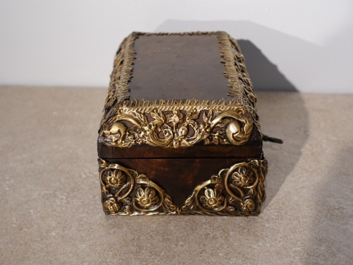 "Objects of Vertu  - Box in walnut and ""repoussé brass"", 17th century"