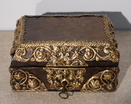 "17th century - Box in walnut and ""repoussé brass"", 17th century"