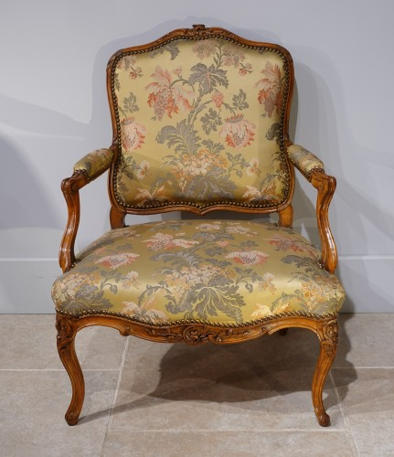 """Louis XV armchair stamped """"Falconet"""" - Seating Style Louis XV"""
