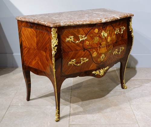 Louis XV commode, in marquetry, stamped C. CHEVALLIER (1700-1771) - Louis XV