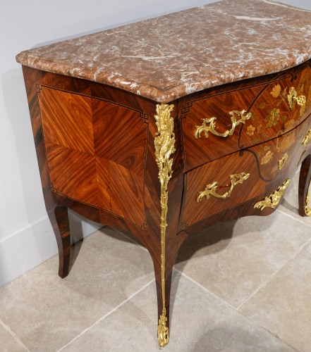 Antiquités - Louis XV commode, in marquetry, stamped C. CHEVALLIER (1700-1771)