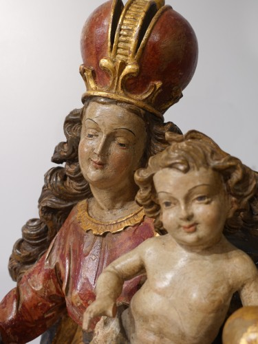 Madonna and Child in polychrome carved wood, 18th century -