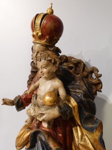 Antiquités - Madonna and Child in polychrome carved wood, 18th century