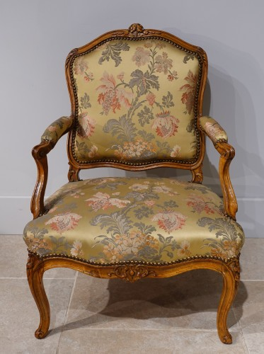 """Louis XV armchair stamped """"FRC Reuze"""" -"""