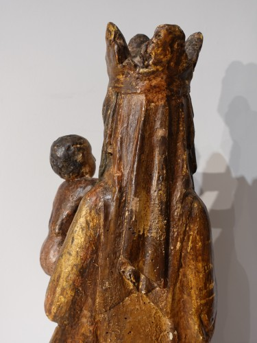 Middle age - Madonna and Child in carved and polychrome wood, 14th century