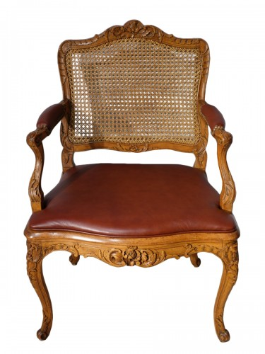 Parisian office armchair, Regence, beech, 18th century
