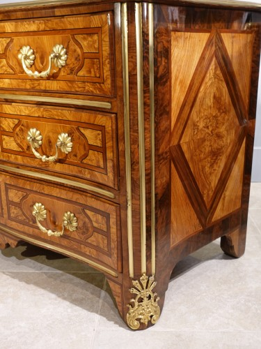 """French chest of drawers, inlaid, """"Regence"""", 18th century - French Regence"""