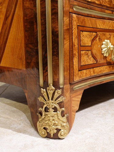 """French Regence - French chest of drawers, inlaid, """"Regence"""", 18th century"""