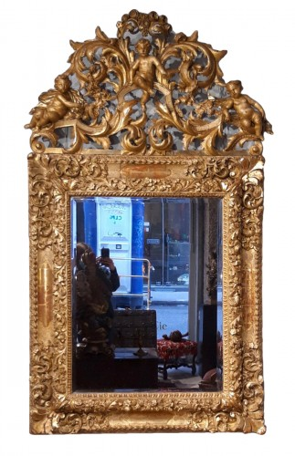 "Italian mirror ""cherubs"", gilded wood, late 17th century"