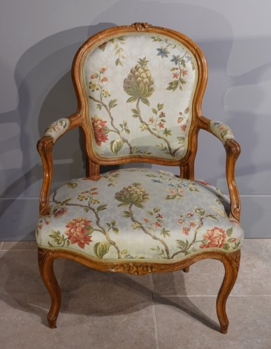 French Louis XV Armchairs in Walnut - Seating Style Louis XV