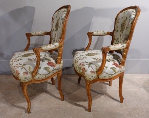 18th century - French Louis XV Armchairs in Walnut