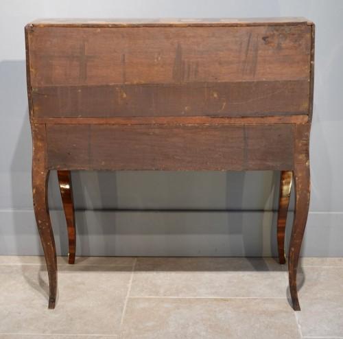 "French Louis XV Bureau ""dos d'âne""  flower marquetry - Furniture Style Louis XV"
