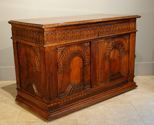 """French Renaissance chest, walnut, decorated with """"perspectives"""", 16th centu - Furniture Style Renaissance"""
