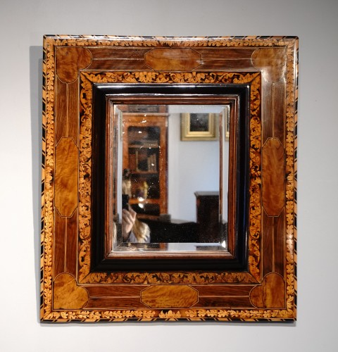 17th century - Marquetry mirror attributed to Thomas Hache circa 1695