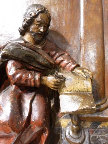 Louis XIV - Polychrome carved wooden panel representing Saint Luke, 17th century