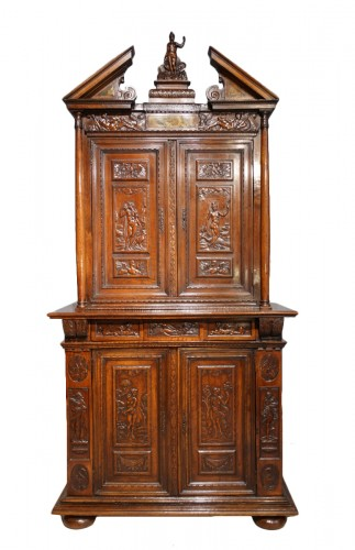 "French Renaissance sideboard ""Ecole de Fontainebleau "" walnut, late 16th ce"