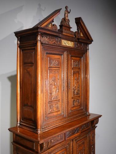"""French Renaissance sideboard """"Ecole de Fontainebleau """" walnut, late 16th ce - Renaissance"""