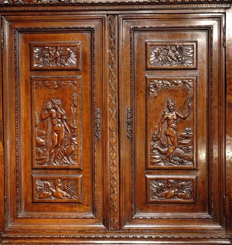 """Antiquités - French Renaissance sideboard """"Ecole de Fontainebleau """" walnut, late 16th ce"""