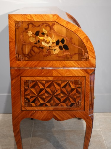 """French Louis XV Desk Called """"cylindre"""", Marquetry, 18th Century - Louis XV"""
