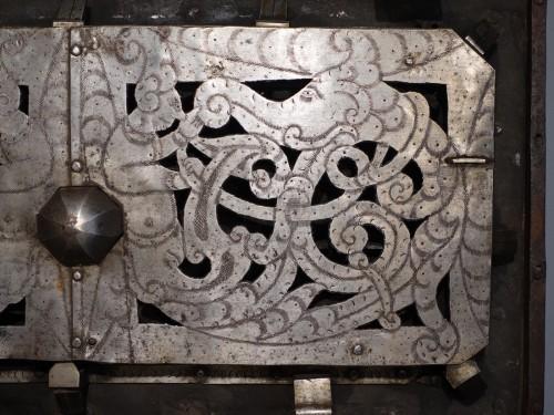 "Antiquités - Iron Chest Said ""of Corsair"" , Germany - Nürnberg"" , 17th Century"
