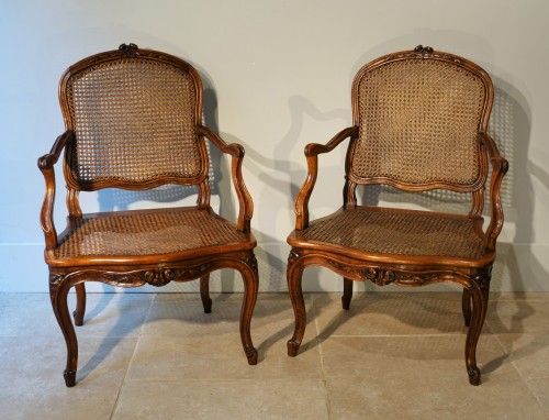 Set Of Two Louis XV Armchairs And Four Chairs - Seating Style Louis XV