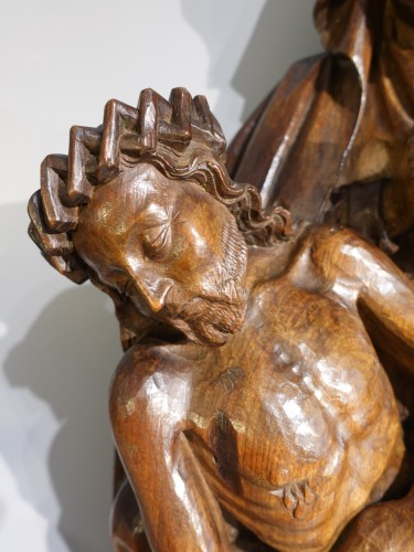 11th to 15th century - French Pieta In Carved, Walnut, Late 15th Century