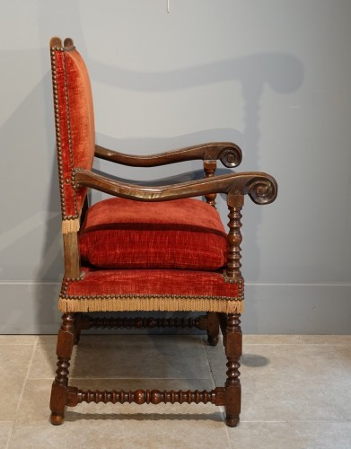 Pair of Louis XIII armchairs - 17th century -