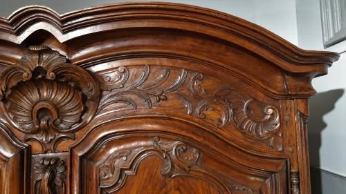 Antiquités - Lyonnaise Regency cabinet, in walnut, early 18th century