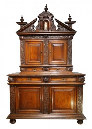Sideboard in walnut early 17th century