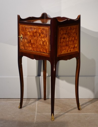 Louis XV bedside table in marquetry - Furniture Style Louis XV