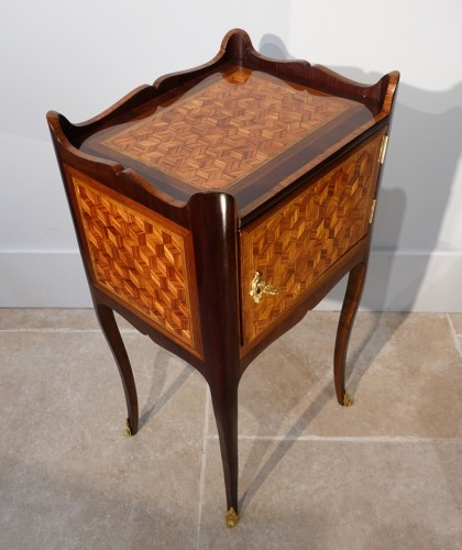 18th century - Louis XV bedside table in marquetry