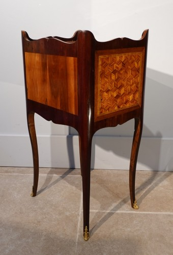 Louis XV - Louis XV bedside table in marquetry