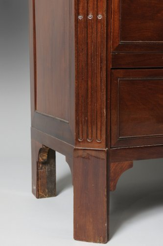 A Louis XVI mahogany Commode - Furniture Style Louis XVI