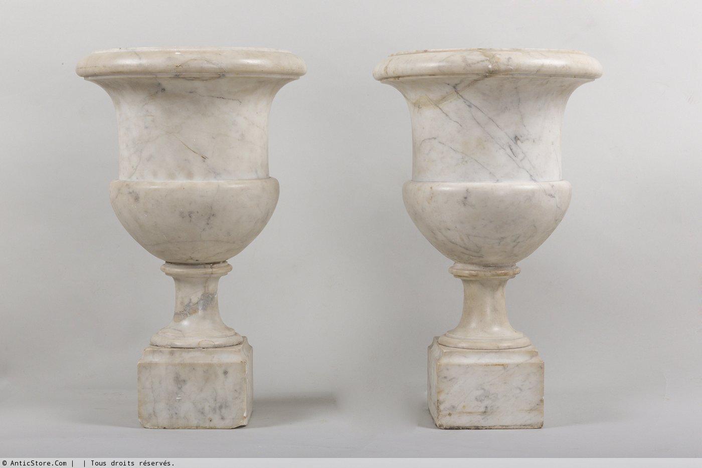 paire de vases m dicis en marbre de carrare xixe si cle. Black Bedroom Furniture Sets. Home Design Ideas