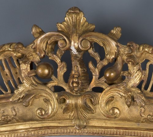 A French Regence period giltwood mirror - French Regence