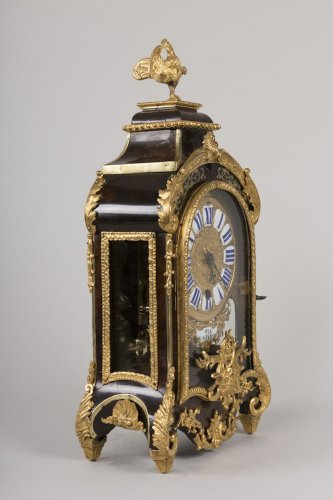 Horology  - Small French Regence period cartel with repeating tone