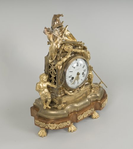 French Transition period gilt bronze mantel clock - Clocks Style Transition