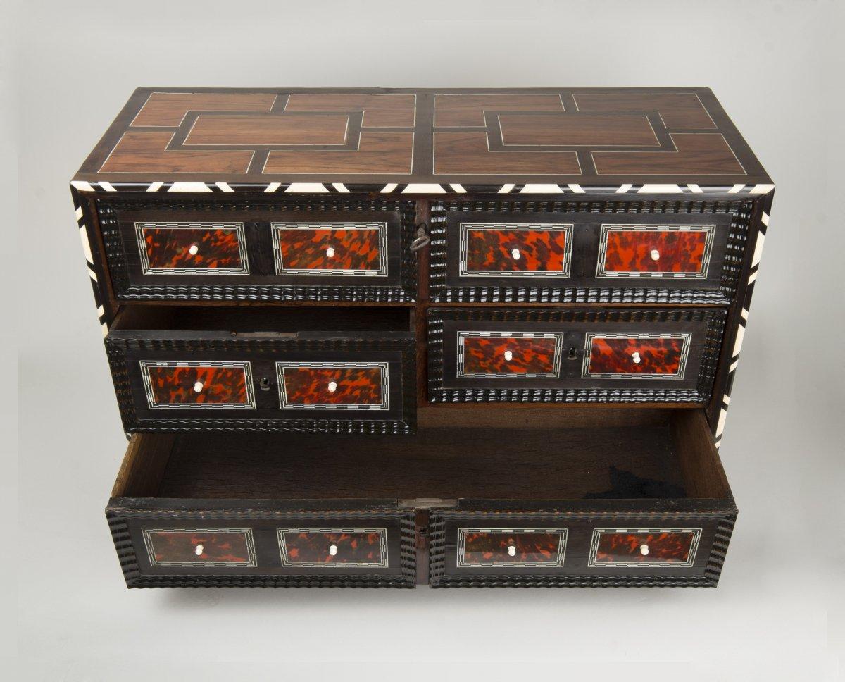 Petit cabinet flamand en caille et palissandre xviie si cle - Galerie gilles linossier ...