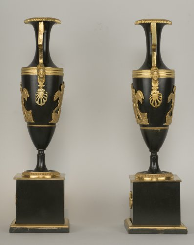 Pair Of French Directoire Vases - Decorative Objects Style Directoire