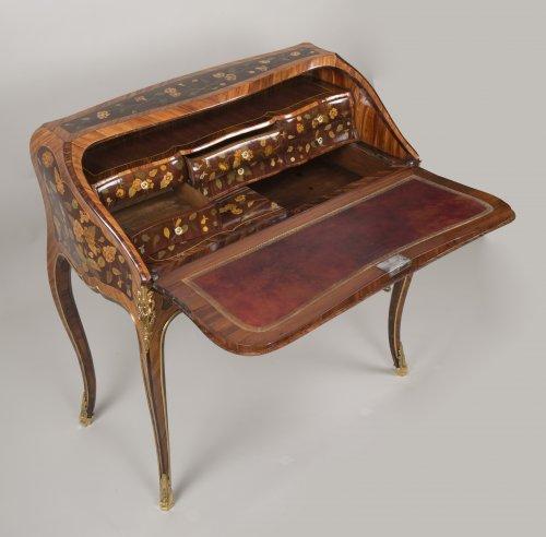 "Louis XV ""Dos d'Ane"" Desk Stamped by Peridiez - Louis XV"