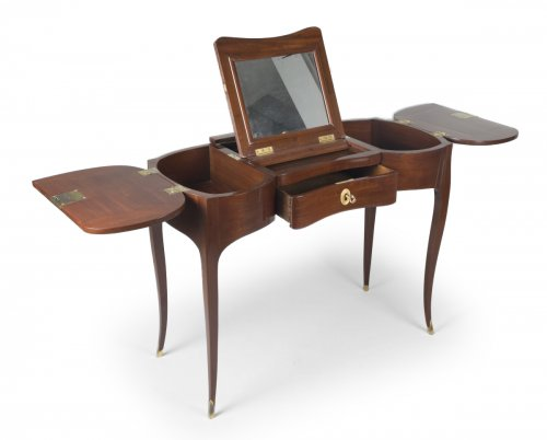 Solid Mahogany Coiffeuse attributed to Jean-François Oeben