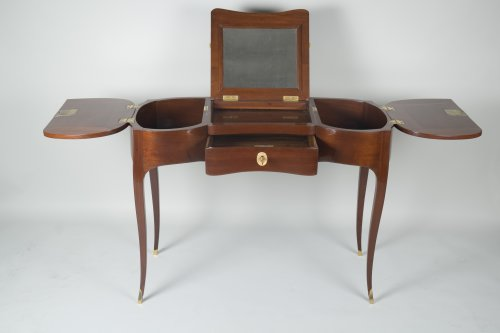 Solid Mahogany Coiffeuse attributed to Jean-François Oeben -