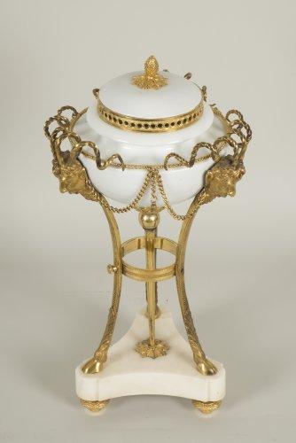 Louis XVI Pot Pourri -