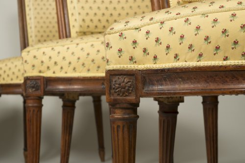 Set of 6 Louis XVI walnut chairs - Seating Style Louis XVI