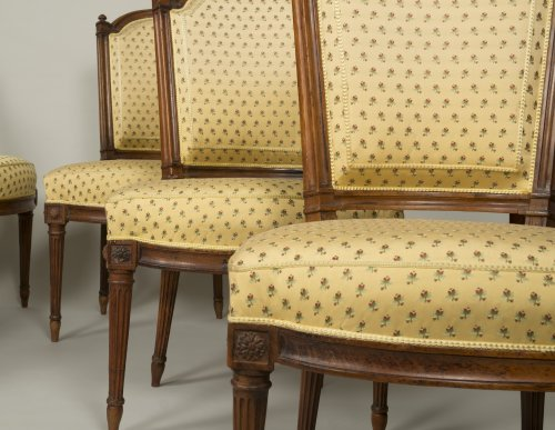 Seating  - Set of 6 Louis XVI walnut chairs