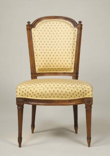 18th century - Set of 6 Louis XVI walnut chairs