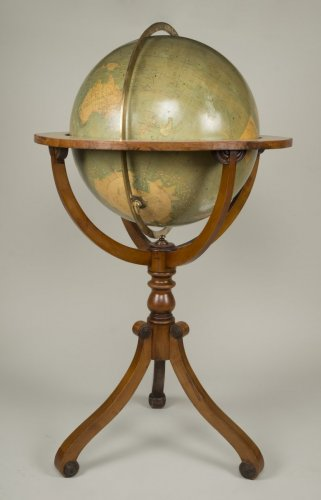 Late 19th Century Parquet Globe - Collectibles Style Napoléon III